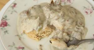Vegan White Sausage Gravy Recipe – Southern Vegan Soul Food – Breakfast/Bread